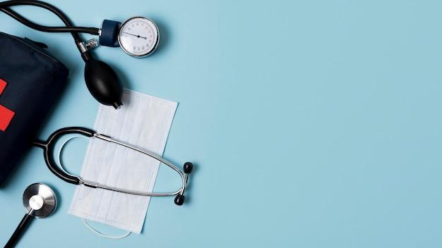 Plat leggen gezondheid stilleven arrangement met kopie ruimte Gratis Foto
