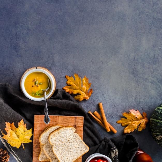 Plat leggen herfst voedsel frame met kopie ruimte Gratis Foto