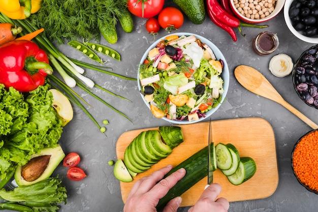 Plat leggen samenstelling van gezonde groenten Gratis Foto