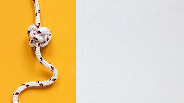 Plat leggen touw met knoop kopie ruimte Premium Foto