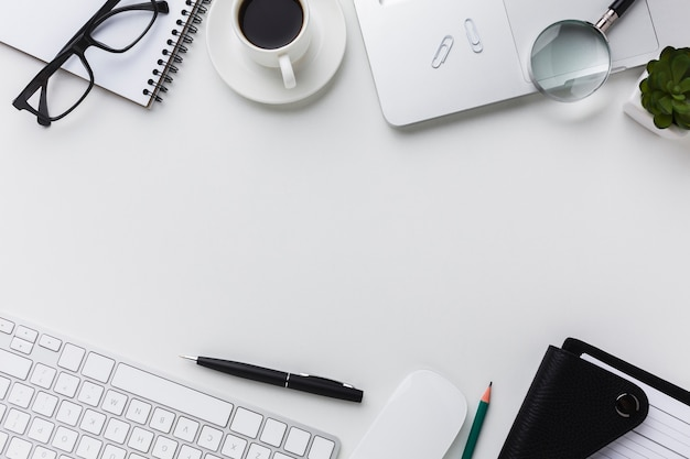 Plat leggen van desktop essentials Gratis Foto