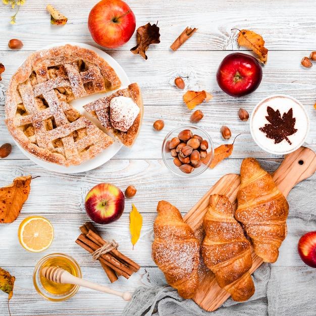 Plat leggen van herfst ontbijt Gratis Foto