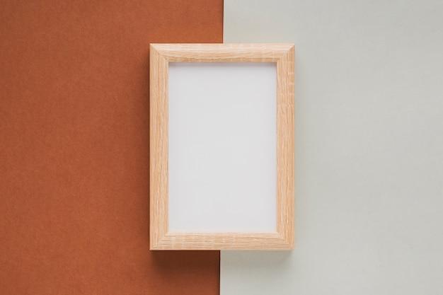 Plat liggend verticaal houten frame Gratis Foto