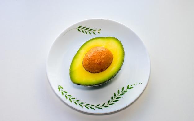 Platte lay-out van avocado is goed voor de gezondheid, Premium Foto