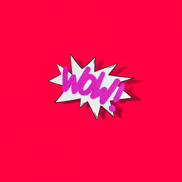 Pop-artillustratie van wauw pictogram voor web op rode achtergrond Gratis Foto