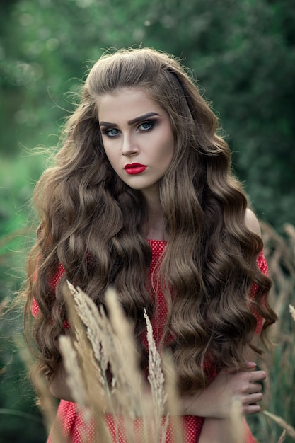 Portret van een mooi jong meisje Premium Foto