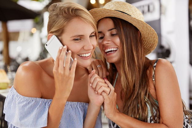 Flirten met een goede vriend
