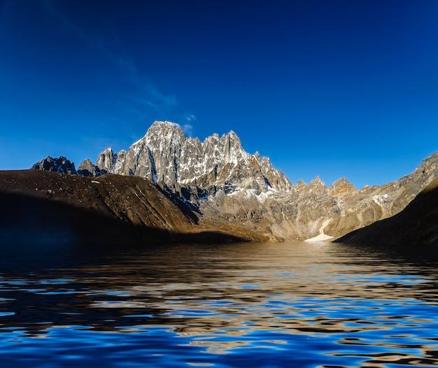 Prachtig berglandschap Premium Foto