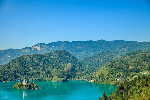Prachtig landschap en een prachtig eiland Gratis Foto