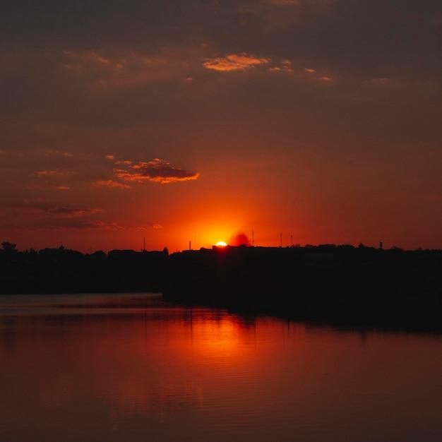 Prachtig uitzicht op zonsopganglicht Gratis Foto