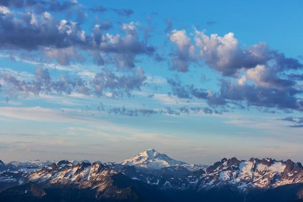 Prachtige bergtop in north cascade range, washington / usa Premium Foto