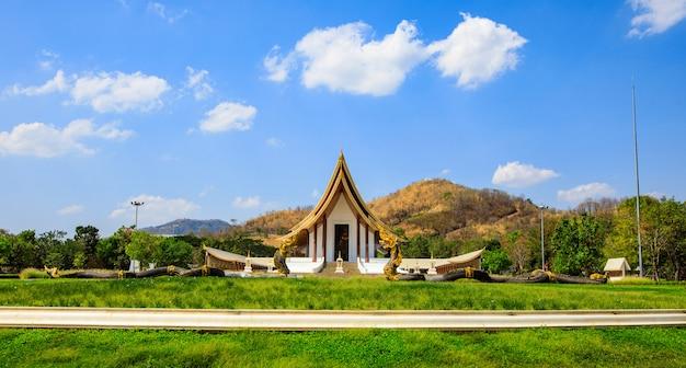 Prachtige boeddhistische tempel in de provincie phetchabun Premium Foto