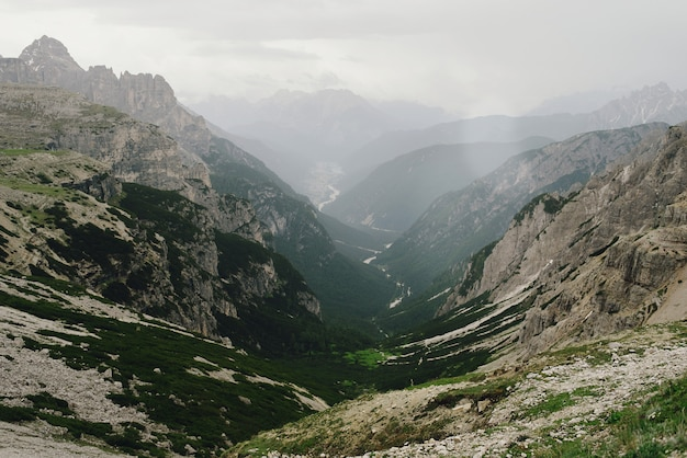 Prachtige landschappen van de italiaanse dolomieten Gratis Foto