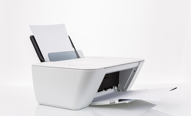 Printer met witte lakens Gratis Foto