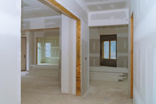 Proces voor in aanbouw, verbouwing, renovatie, uitbreiding, restauratie en wederopbouw. Premium Foto