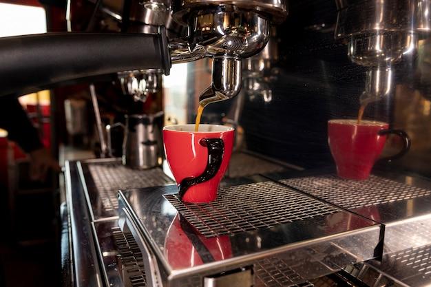 Professionele koffiemachine van close-up Gratis Foto