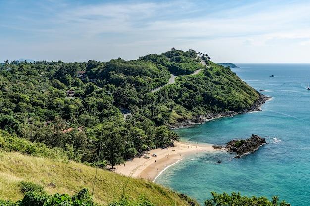Promthep cape is een must als je phuket, thailand bezoekt. Premium Foto