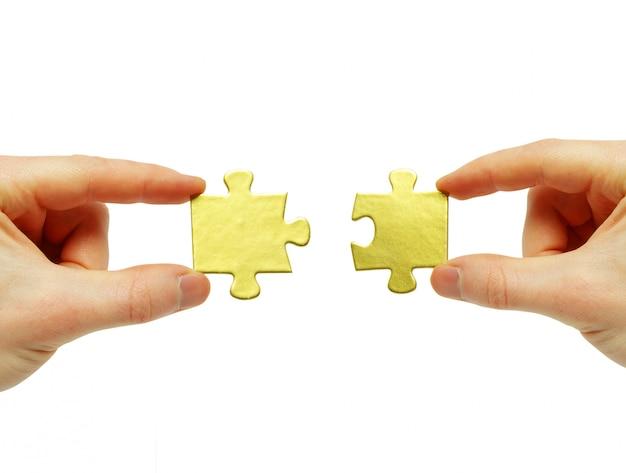 Puzzel in de hand Premium Foto