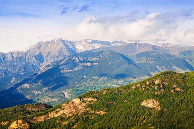 Pyreneeën in zonnige dag. huesca, aragon Gratis Foto