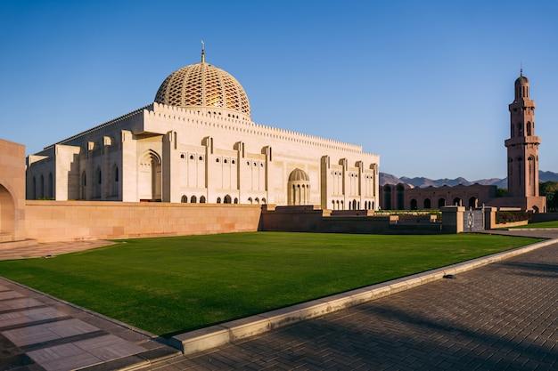 Qaboos-moskee in muscat, oman Premium Foto