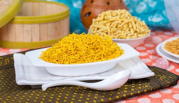 Rajasthani namkeen Premium Foto