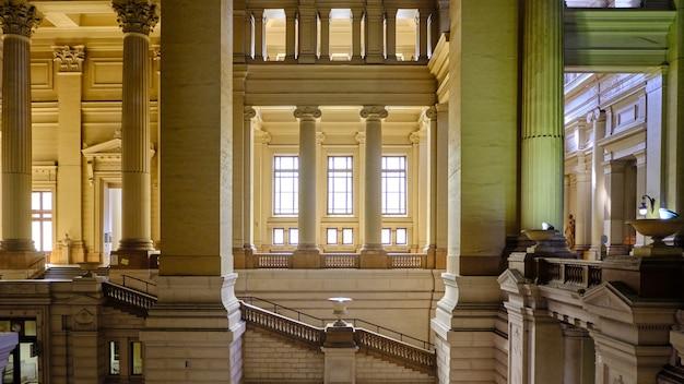 Rechtbank van brussel interieur in belgië Premium Foto