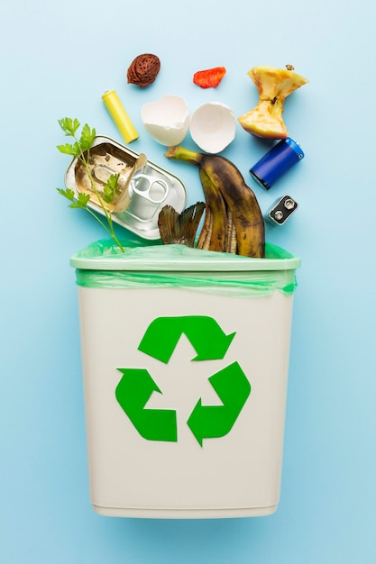 Regeling van de overgebleven afvalbak van voedsel Premium Foto