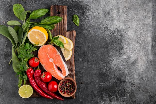 Regeling van groenten en zalmvissen kopie ruimte Gratis Foto
