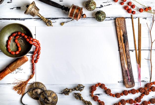 Religieuze muziekinstrumenten voor meditatie en alternatieve geneeskunde Premium Foto