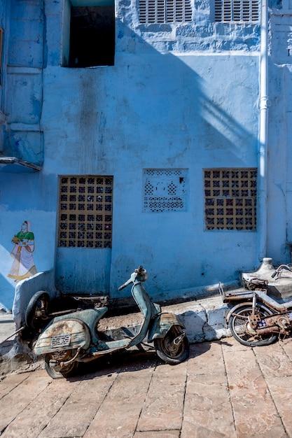 Retro motor in blauwe stad, jodhpur india Gratis Foto