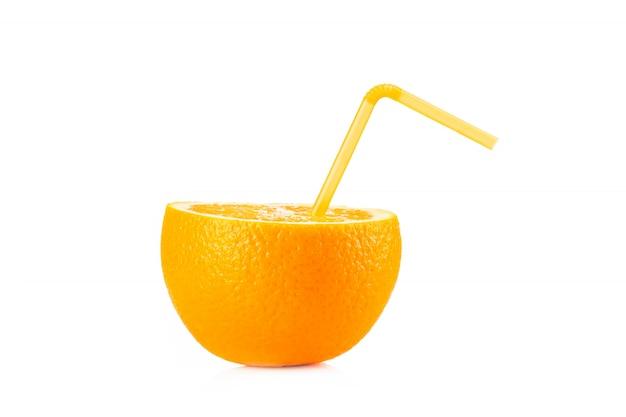 Rijpe sinaasappel geïsoleerd Premium Foto