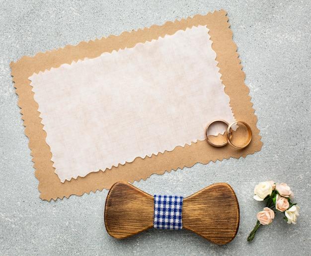 Ringen en papier kopie ruimte bruiloft schoonheid concept Gratis Foto