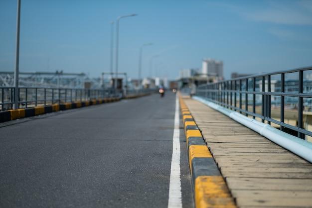 Road achtergrond met selectieve aandacht Premium Foto