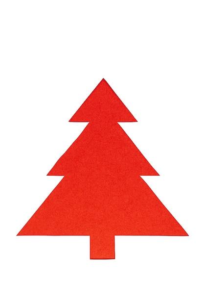 Rode kerstbomen op witte achtergrond. minimale compositie achtergrond. nieuwjaar en kerstmis concept. Premium Foto