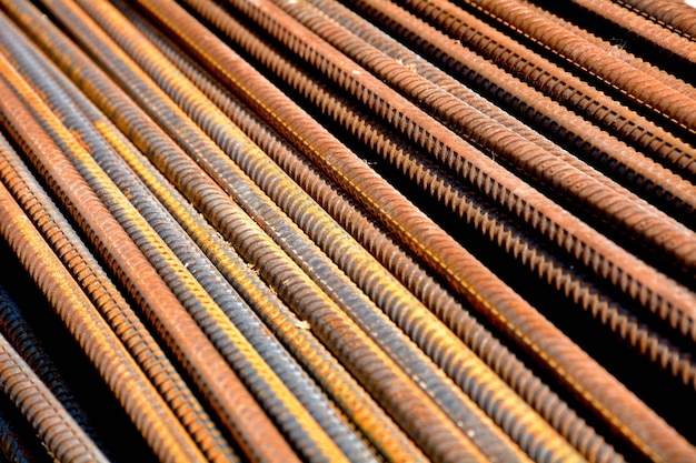 Roestige staalstaven - close-up Premium Foto