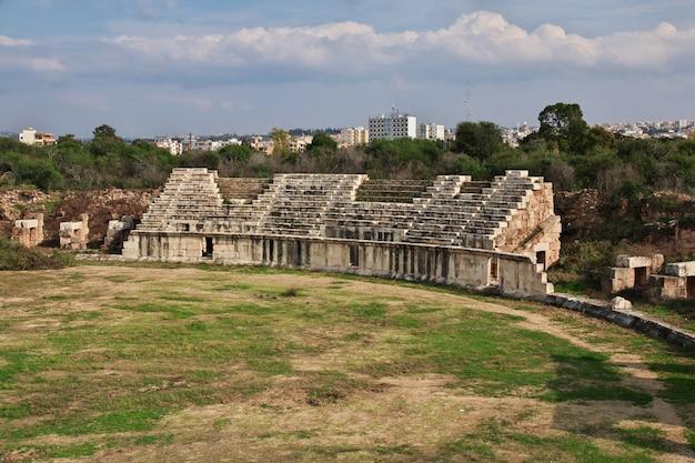 Roman ruïnes in (zure) band, libanon Premium Foto