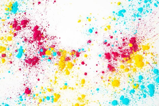 Rood; gele en blauwe holikleur op witte achtergrond Gratis Foto