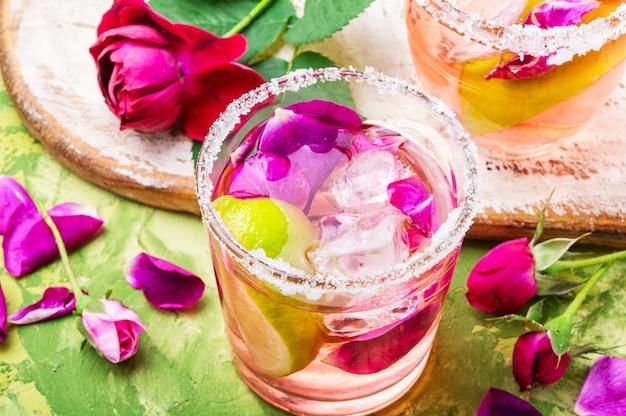 Rose alcoholische drank Premium Foto