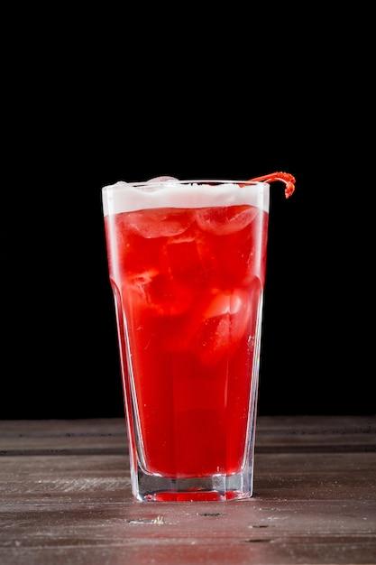 Rose coctail met ijs Premium Foto