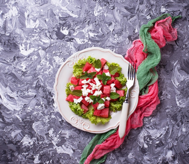Salade met watermeloen en feta-kaas Premium Foto