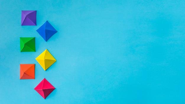 Samenstelling van lichte papieren origami Gratis Foto