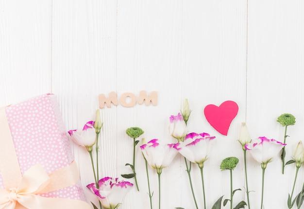Samenstelling van onderwerpen voor moederdagdag vakantie Gratis Foto