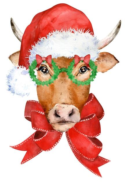 Schattige gehoornde bruine koe met rode strik, in glazen en kerstmuts. Premium Foto