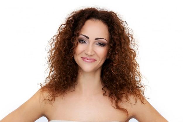 Schitterende vrouw met mooi gezicht Gratis Foto