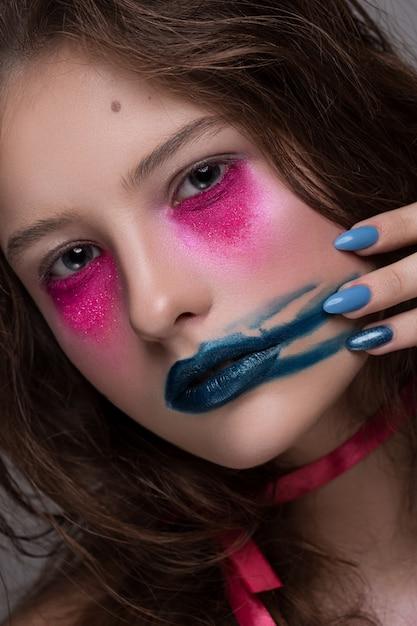 Schoonheid fashion model meisje creatieve kunst make-up Premium Foto