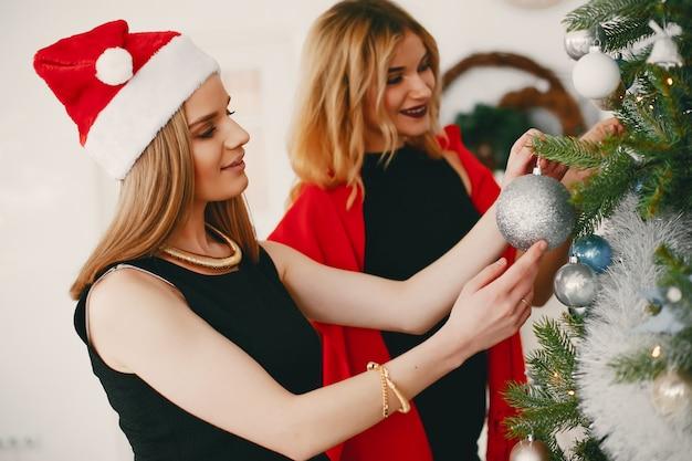 Schoonheid kerstmeisjes Gratis Foto