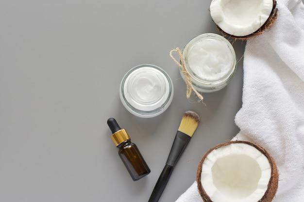 Schoonheid, spa, huidverzorgingsproducten, natuurlijke ingrediënten, kokosolie, gezichtsmasker. Premium Foto