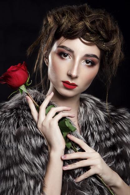 Schoonheidsportret met rode lippenstift Premium Foto