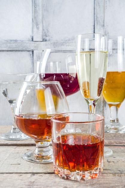 Selectie van verschillende alcoholische dranken Premium Foto
