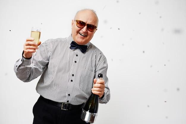 Senior rondhangen Gratis Foto